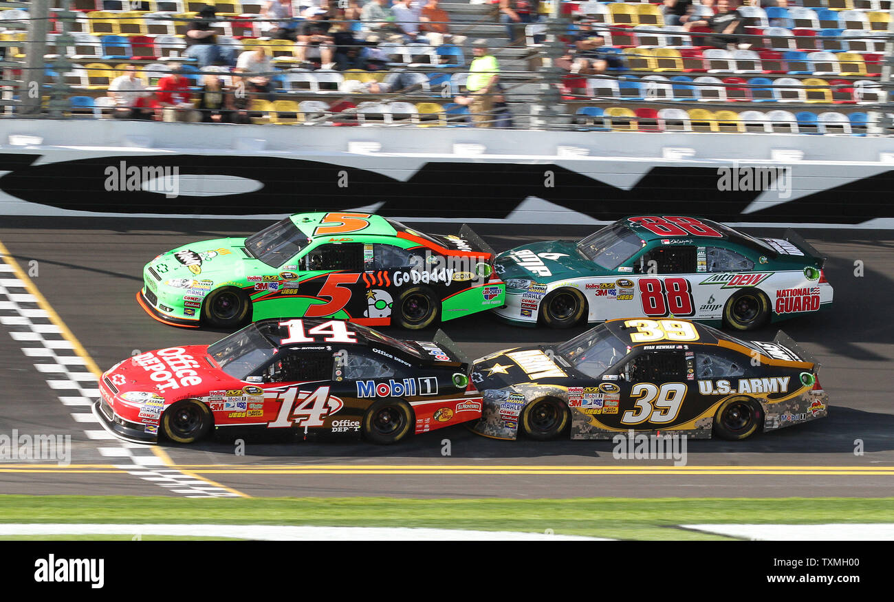Mark Martin (5) is hooked up with Dale Earnhardt Jr (88) and