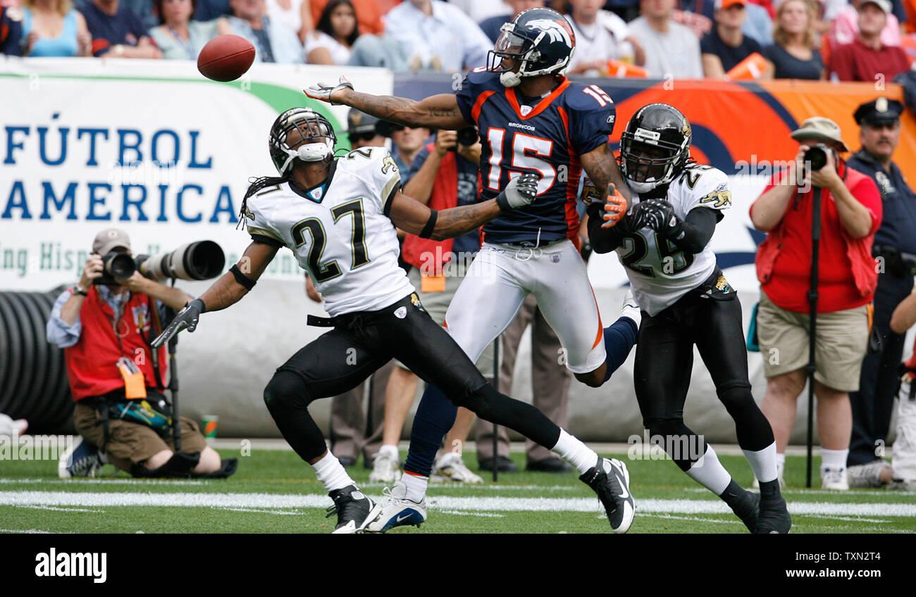 newest f9018 4e8f0 Denver Broncos wide receiver Brandon Marshall (C) fails to ...