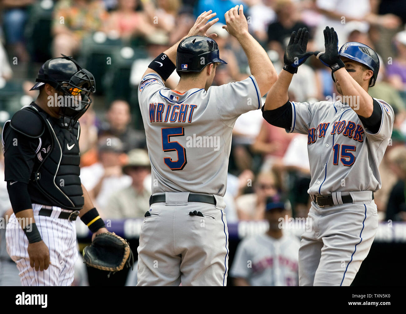 New York Mets Center Fielder Carlos Beltran 15 High Fives