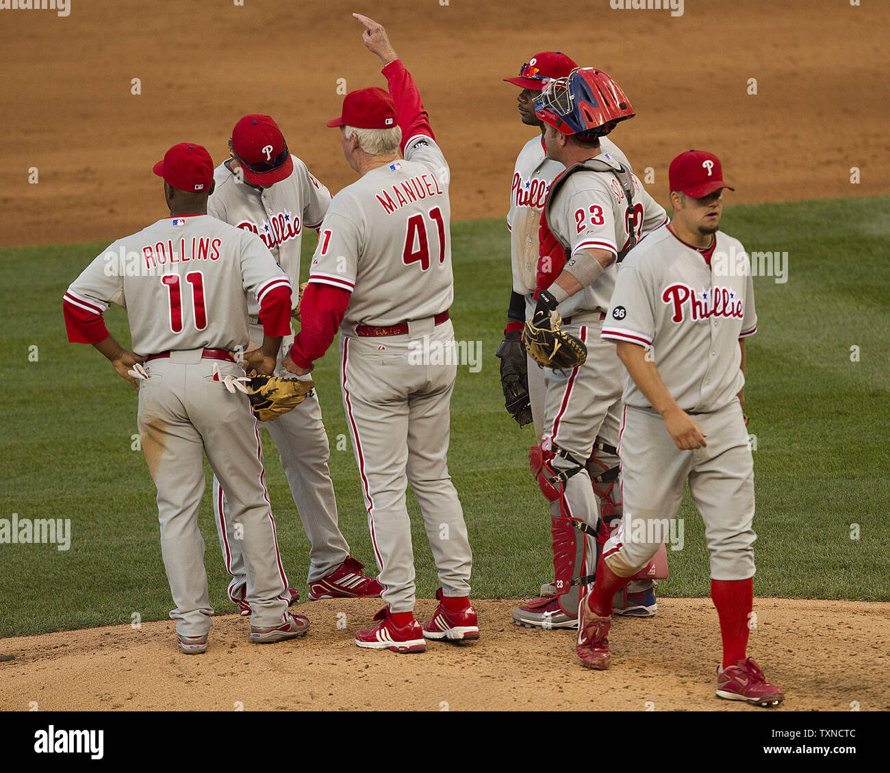 Philadelphia Phillies Manager Charlie Manuel 41 Relieves