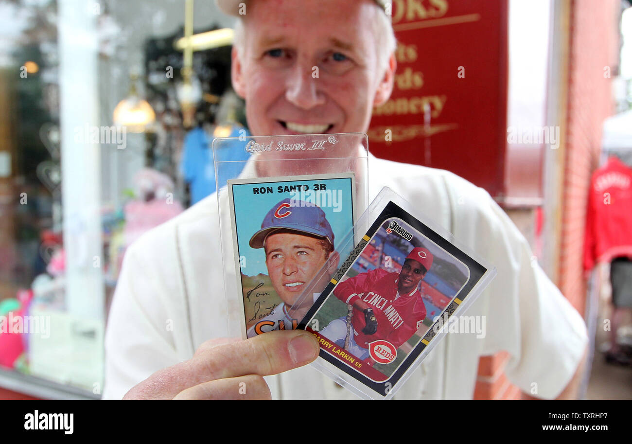 Baseball Card Salesman John Simpain Of Lincoln Nb Shows