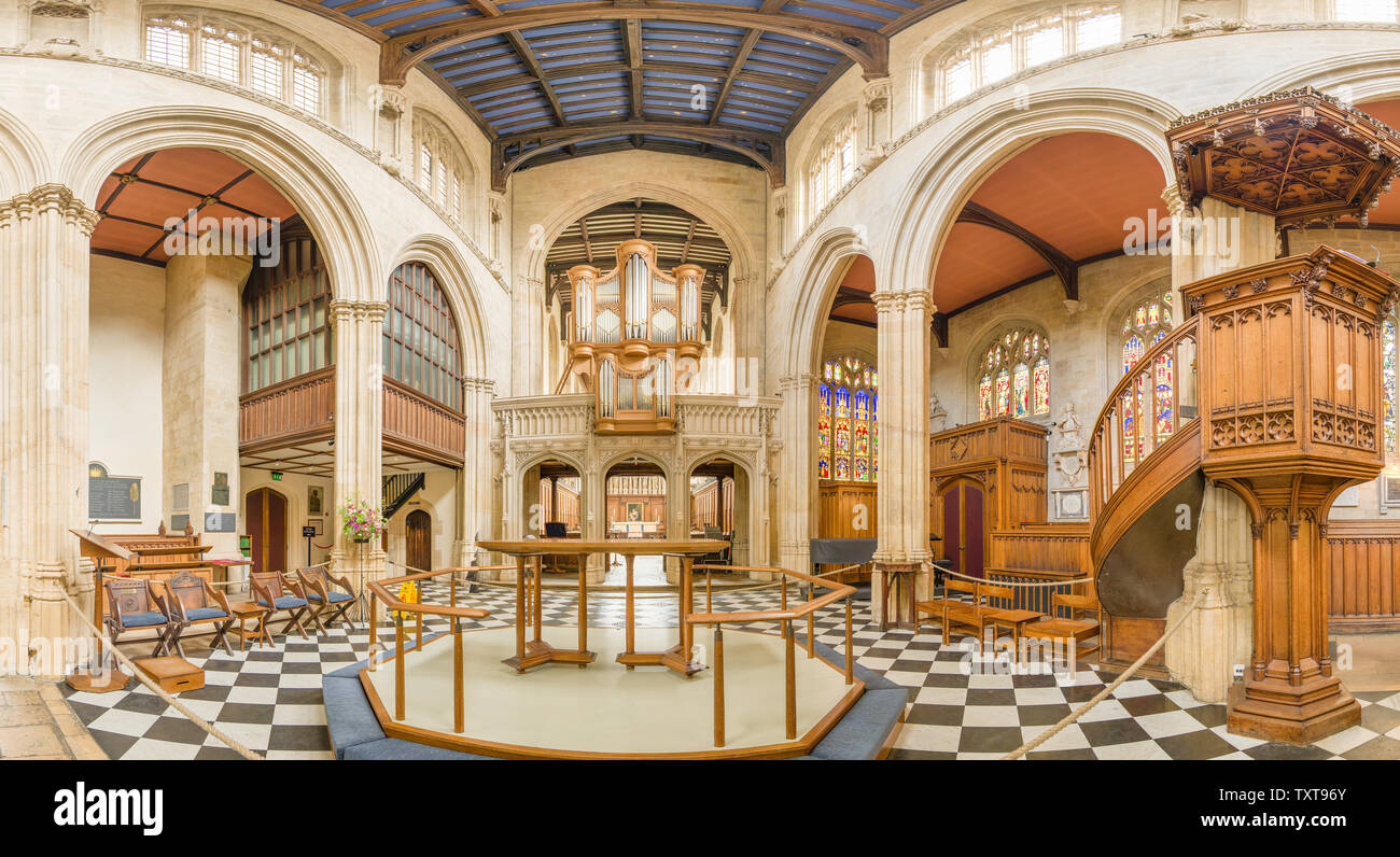 Central altar and nave interior of St Mary the Virgin church, Oxford university, England. - Stock Image
