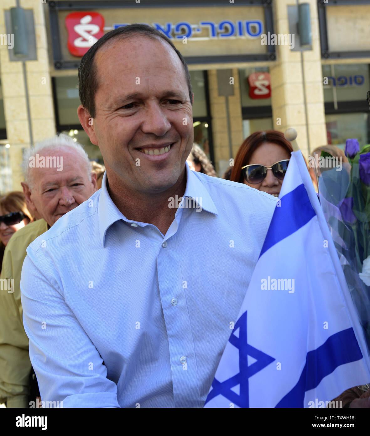 Jerusalem Mayor and candidate in Israel's municipal elections, Nir Barkat, campaigns in Jerusalem, Israel, October 22, 2013. UPI/Debbie Hill - Stock Image
