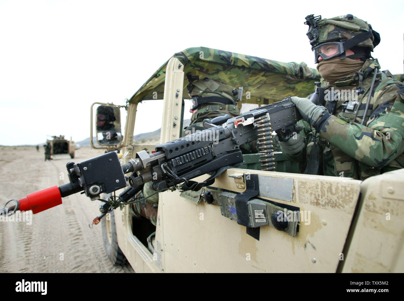 Soldiers From California Army National Stock Photos & Soldiers From