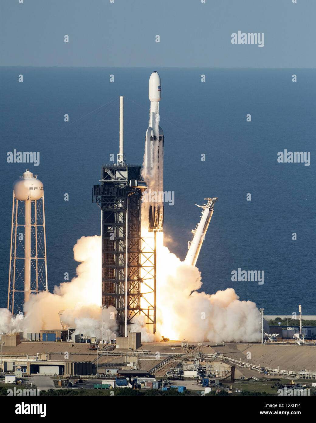 A Spacex Falcon 9 Heavy Rocket Launches At 6 35 Pm From Complex 39a At The Kennedy Space Center Florida On April 11 2019 This Is The First Commercial Launch Of The Heavy
