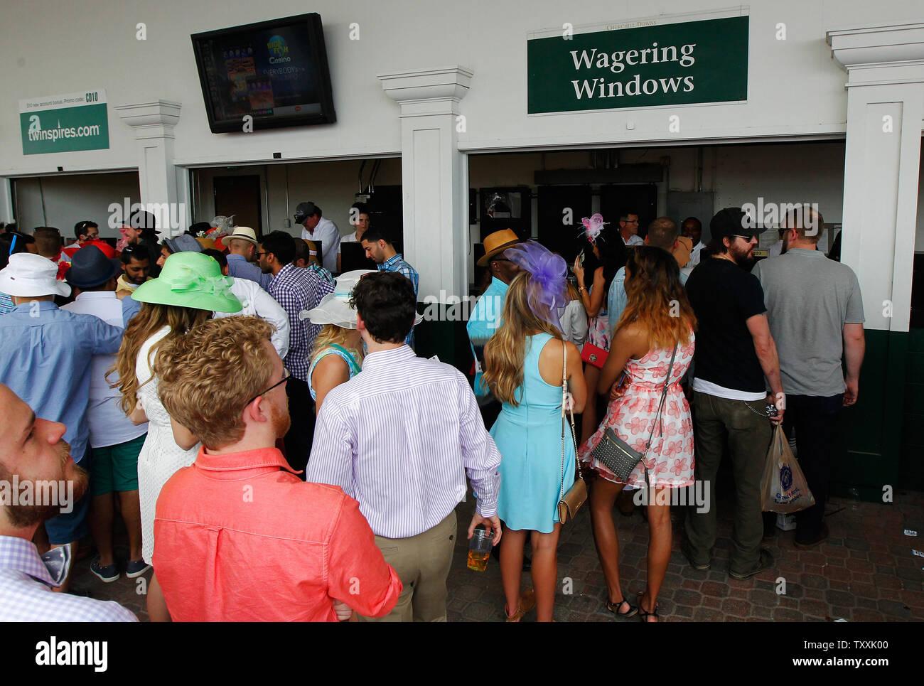 Kentucky derby churchill downs betting windows poker player vs sports betting vs