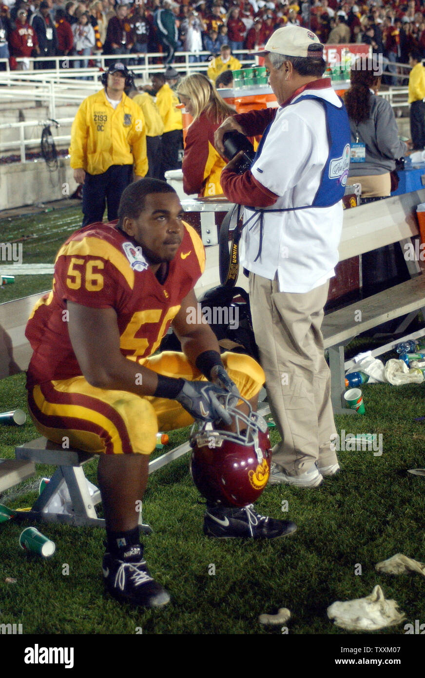 University of Southern California's Ryan Powdrell, sits after losing to the University of Texas 41-38 in the Championship Game, January 4, 2006 at the Rosebowl in Pasadena, California. (UPI Photo/Michael Tweed) - Stock Image