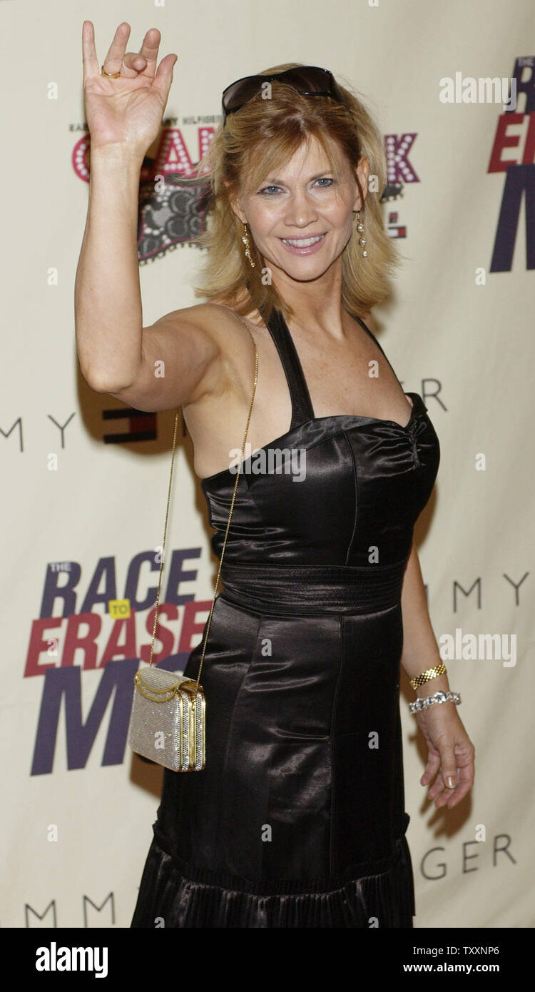 Actress Markie Post poses as she arrives for the 11th annual Race to Erase MS benefit gala in Los Angeles May 14, 2004. The benefit raises funds for the Nancy Davis Foundation for Multiple Sclerosis which is funding research for a cure for MS.  UPI Photo/Jim Ruymen - Stock Image