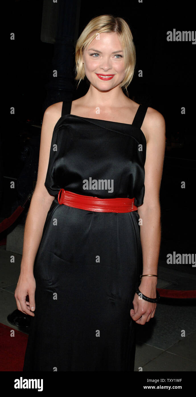 """Actress Jaime King, one of the stars of the new film """"Two for the Money"""", arrives for the film's premiere in Beverly Hills September 26, 2005. The film also stars Al Pacino, Matthew McConaughey and Rene Russo and is about a former college football star who suffers a career-ending injury and aligns himself with one of the most renowned bookies in the sports-gambling business. The movie opens October 7 in the United States.   (UPI Photo/Jim Ruymen) Stock Photo"""
