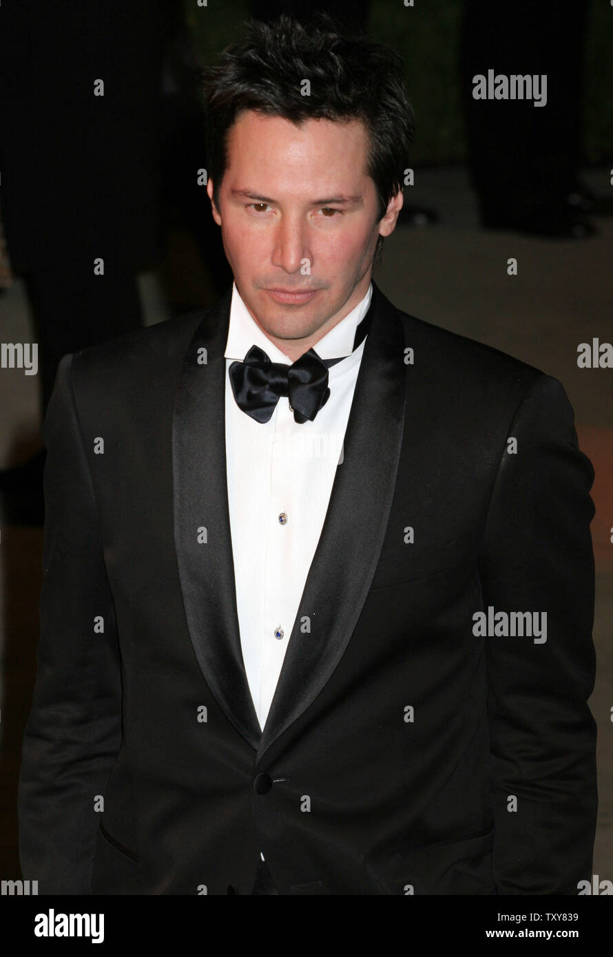 Actor Keanu Reeves Arrives On The Red Carpet At The Vanity Fair Oscar Party At Morton S In West Hollywood California On March 5 2006 Upi Photo David Silpa Stock Photo Alamy