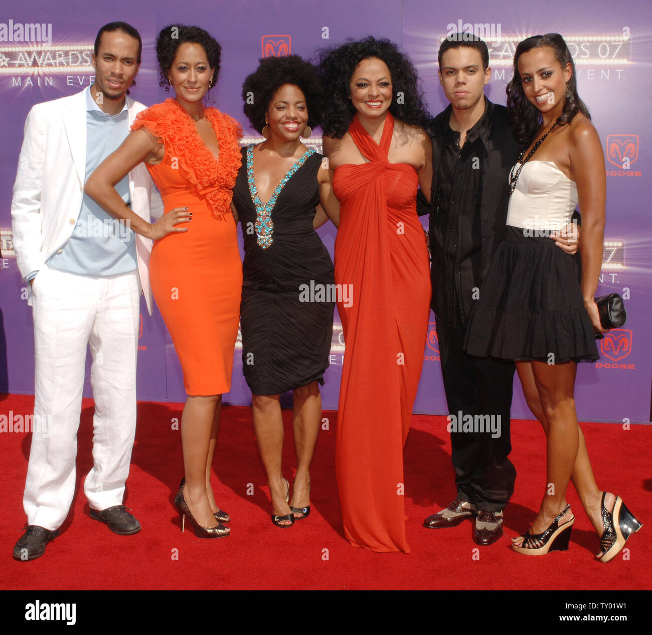 singer and actress diana ross 4th l arrives with her children ross arne naess actress tracee https www alamy com singer and actress diana ross 4th l arrives with her children ross arne naess actress tracee ellis ross rhonda ross kendrick ross evan ross and chudney ross at the 2007 bet awards in los angeles on june 26 2007 diana ross was honored with the lifetime achievement award upi photojim ruymen image257542349 html