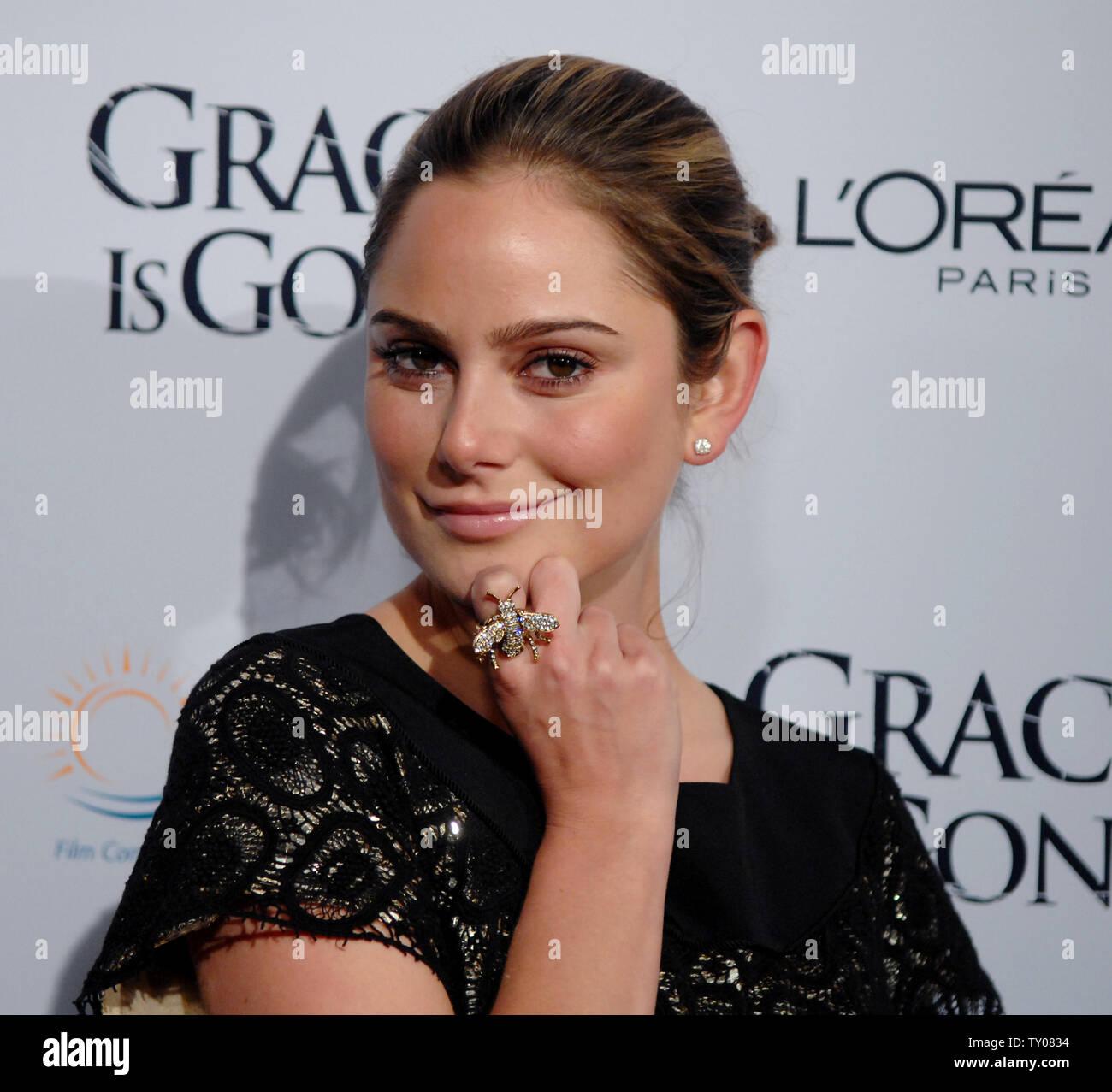 100 Images of Amanda Brooks Actress