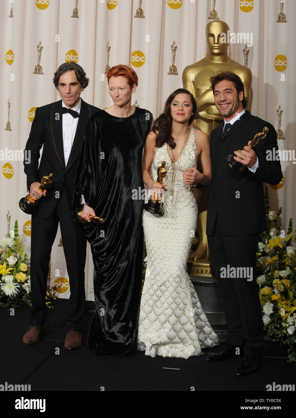 From Left Actor Daniel Day Lewis Best Actor For The There