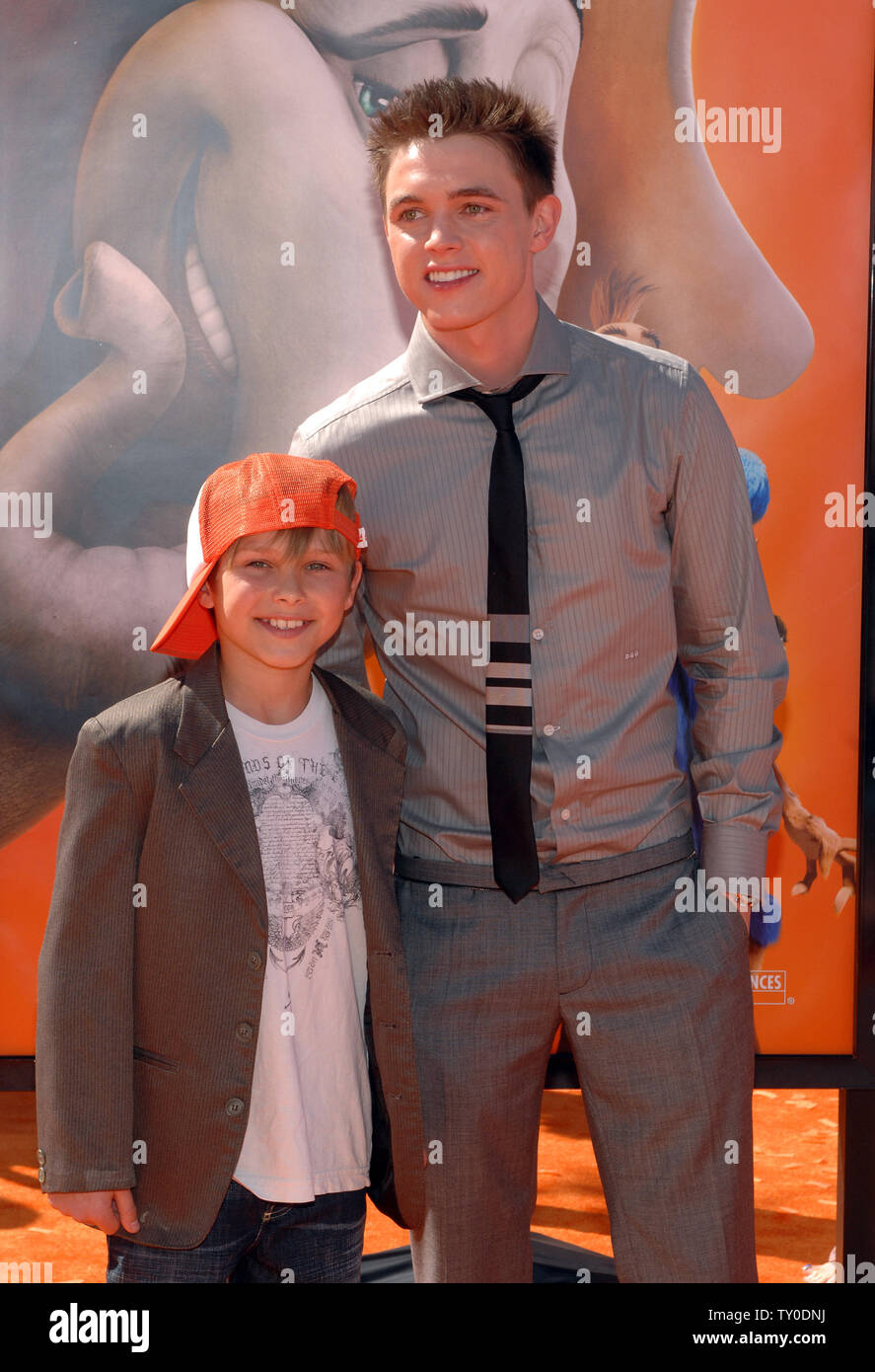 Actor Jesse Mccartney R The Voice Of Jojo In The Animated Motion Picture Horton Hears A Who Based On A Dr Seuss Story Attends The The World Premiere Of The Film With Type into google jojo horton hears a who without the inverted commas. https www alamy com actor jesse mccartney r the voice of jojo in the animated motion picture horton hears a who based on a dr seuss story attends the the world premiere of the film with his brother timmy in los angeles on march 8 2008 upi photojim ruymen image257551662 html