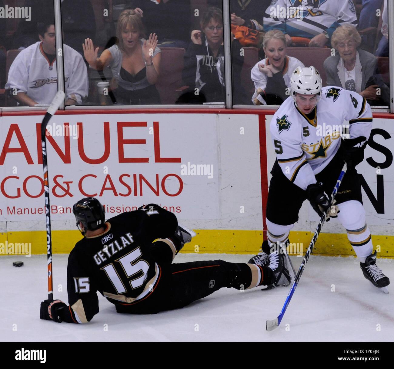 Anaheim Ducks Ryan Getzlaf 15 Stock Photos & Anaheim Ducks