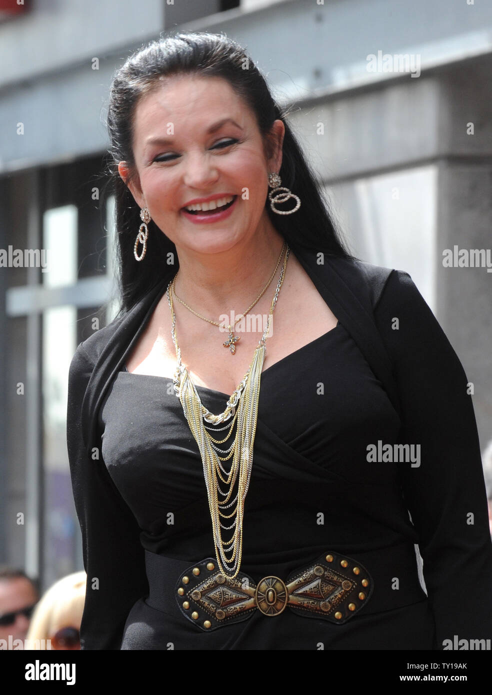 Singer Crystal Gayle is introduced during an unveiling ceremony honoring her with the 2, 390th star on the Hollywood Walk of Fame in Los Angeles on October 2, 2009.     UPI/Jim Ruymen - Stock Image