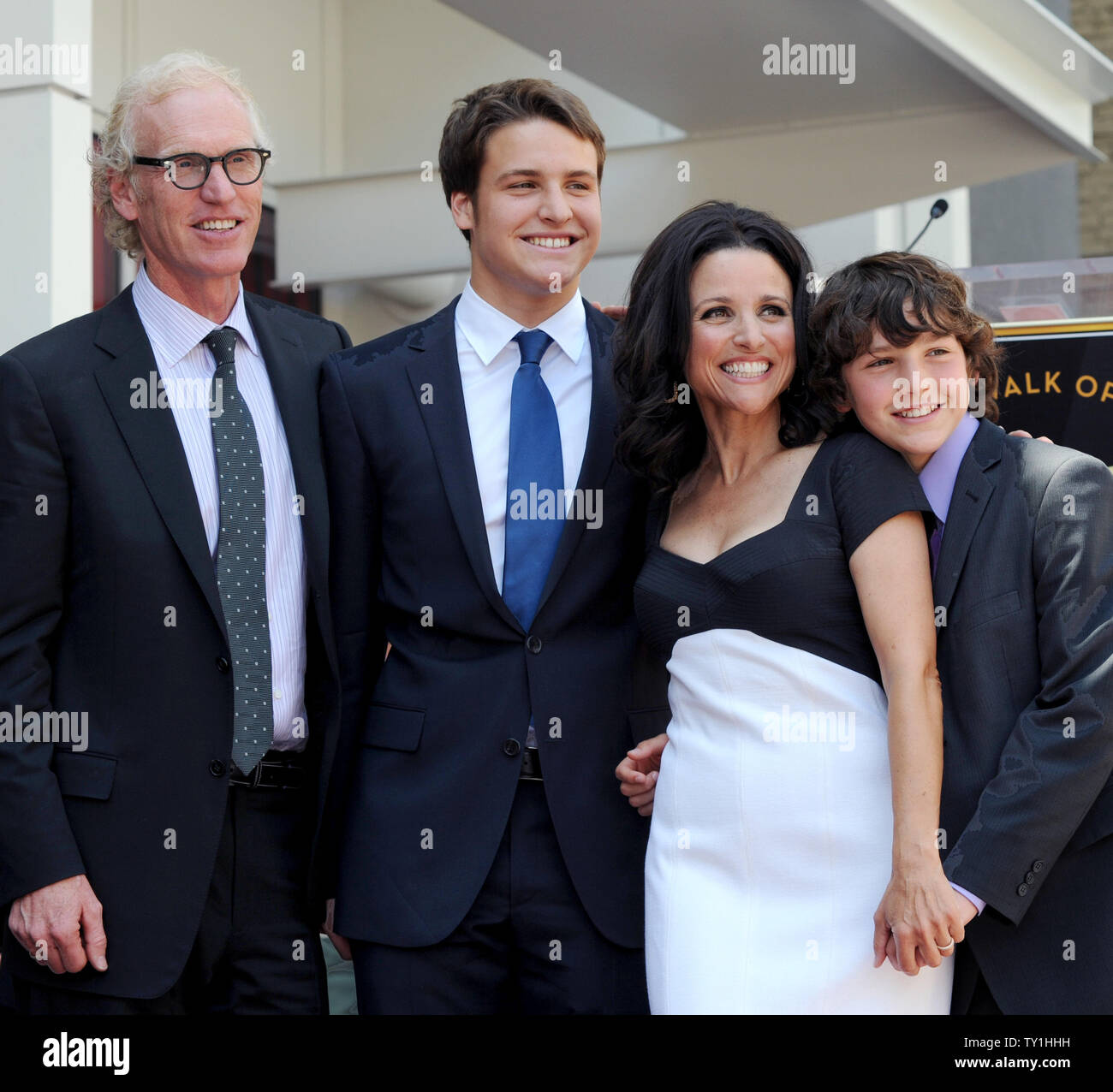 Julia Louis Dreyfus Husband: Brad Hall Stock Photos & Brad Hall Stock Images