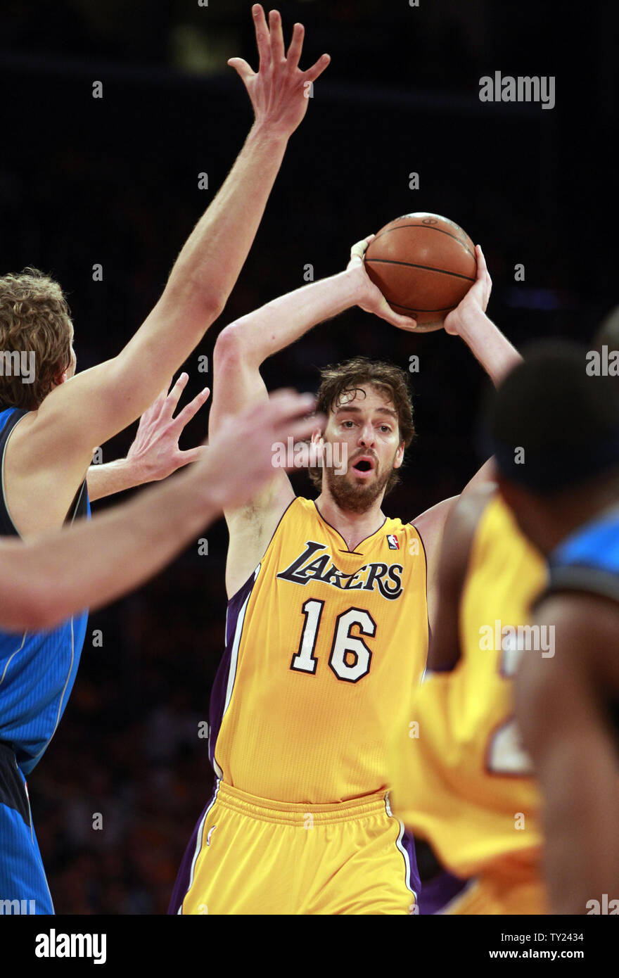Los Angeles Lakers Forward Pau Gasol Looks To Pass In The