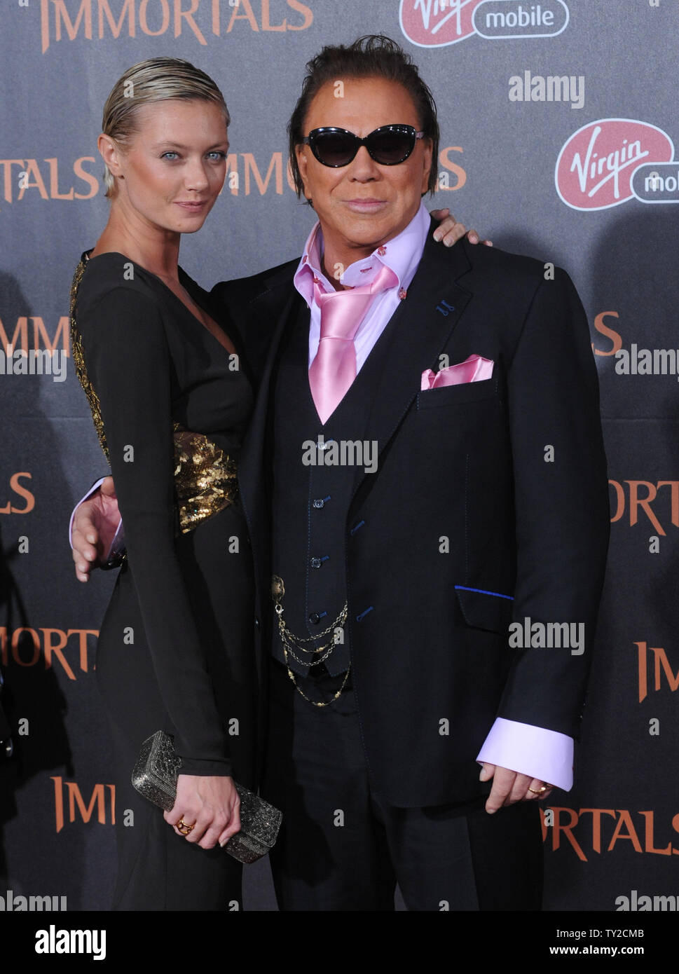 Mickey Rourke And His Girlfriend High Resolution Stock Photography And Images Alamy Migliaia di nuove immagini di alta qualità aggiunte ogni giorno. https www alamy com actor mickey rourke a cast member in the motion picture fantasy immortals and his girlfriend anastassija makarenko attend the world premiere of the film at nokia theatre in los angeles on november 7 2011 upijim ruymen image257594747 html