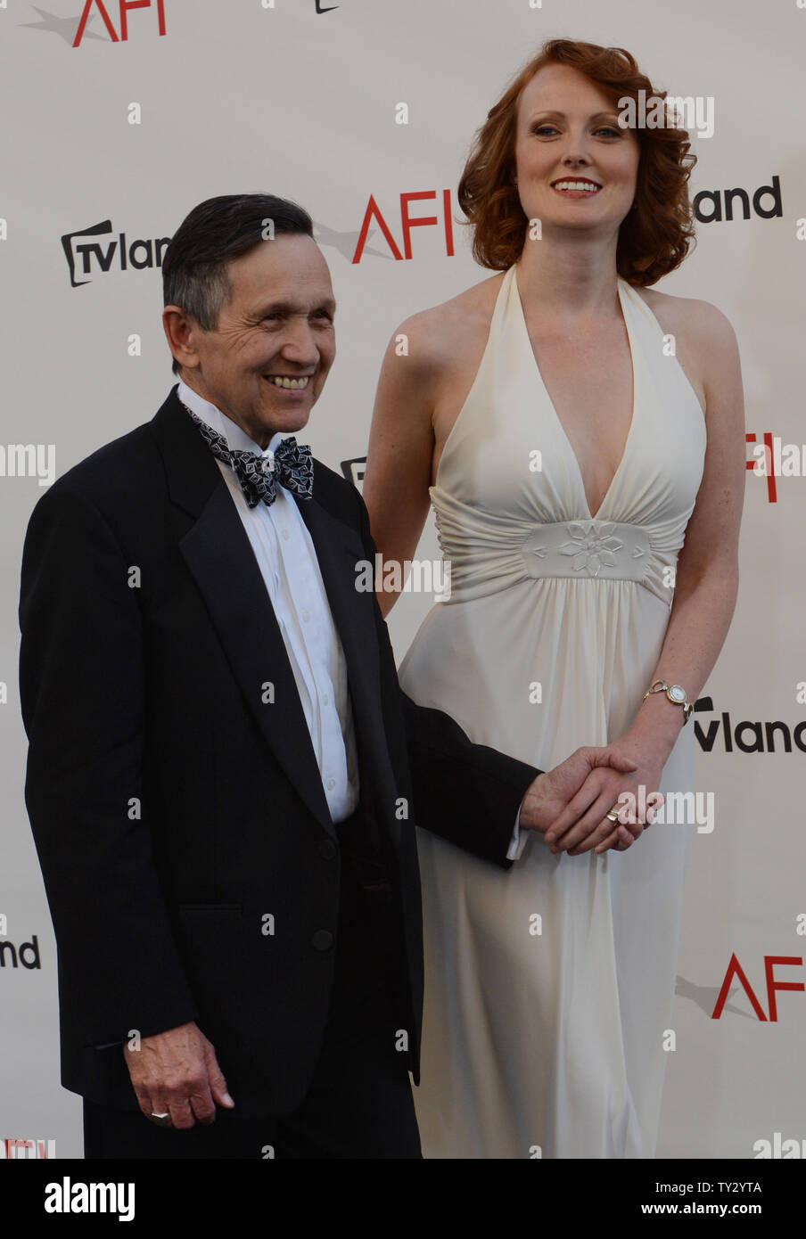 [Image: us-rep-dennis-kucinich-d-oh-and-his-wife...TY2YTA.jpg]