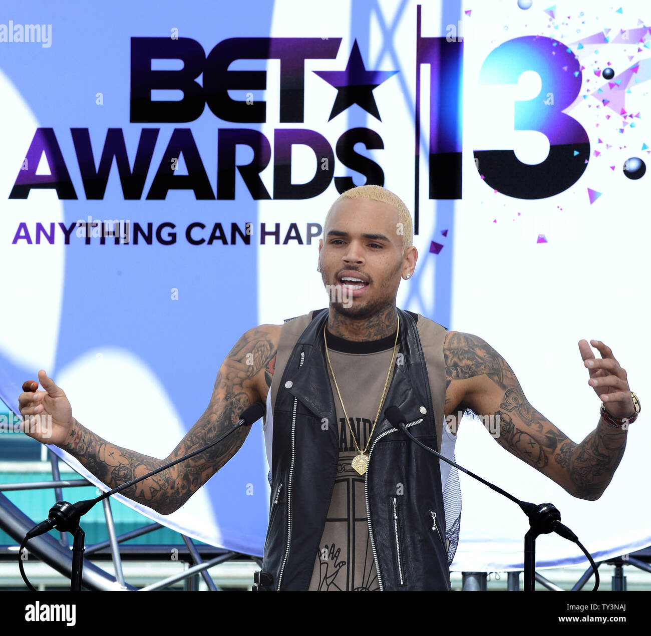 Recording artist Chris Brown participates in a BET Awards news conference at Icon Ultra Lounge in Los Angeles on May 14, 2013.  UPI/Jim Ruymen - Stock Image