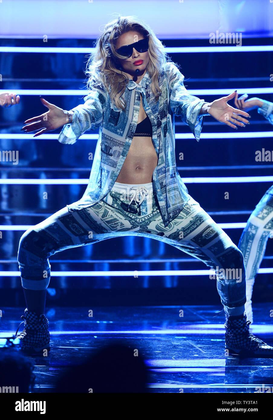 Ciara performance on bet awards 13 horse betting tips nzz