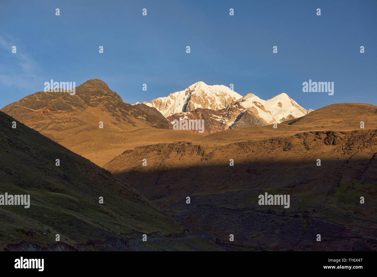 Illampu at sunset, Cordillera Real Traverse, Bolivia - Stock Image