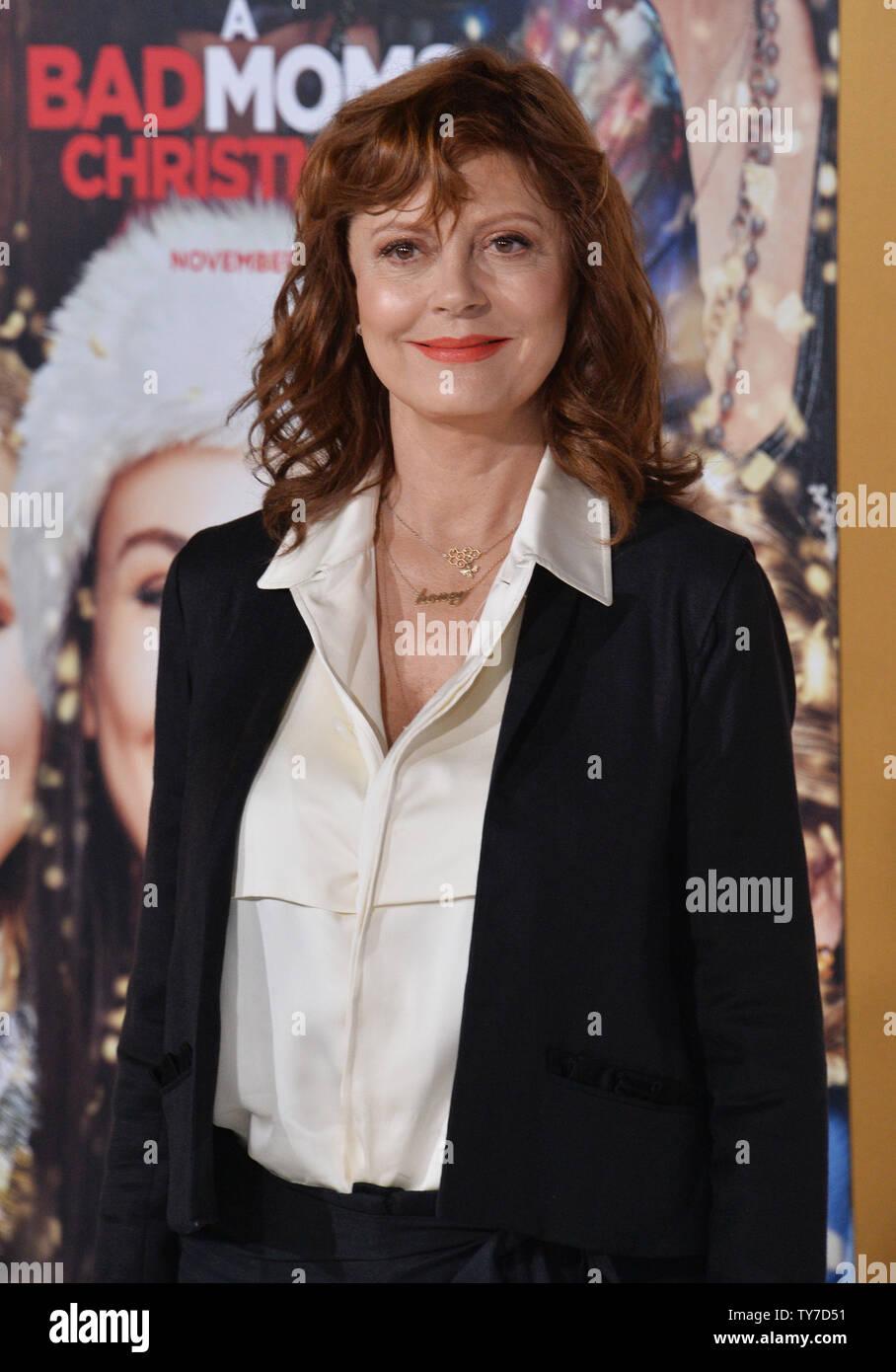 Bad Moms Christmas Susan Sarandon.Cast Member Susan Sarandon Attends The Premiere Of The