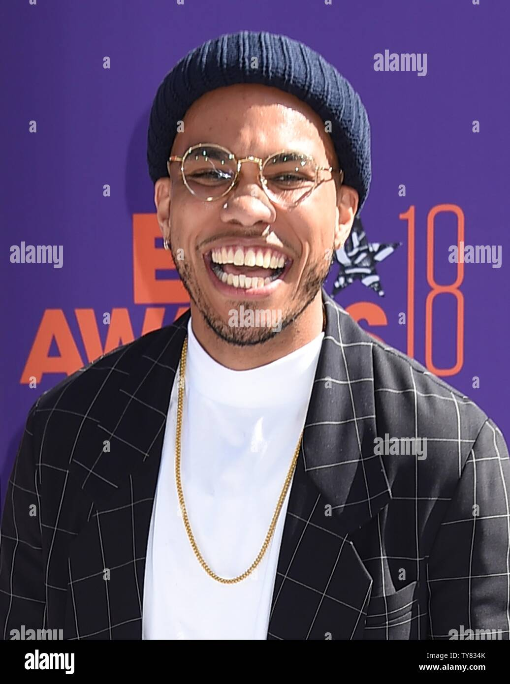 Anderson paak on bet awards sports betting simulation apps
