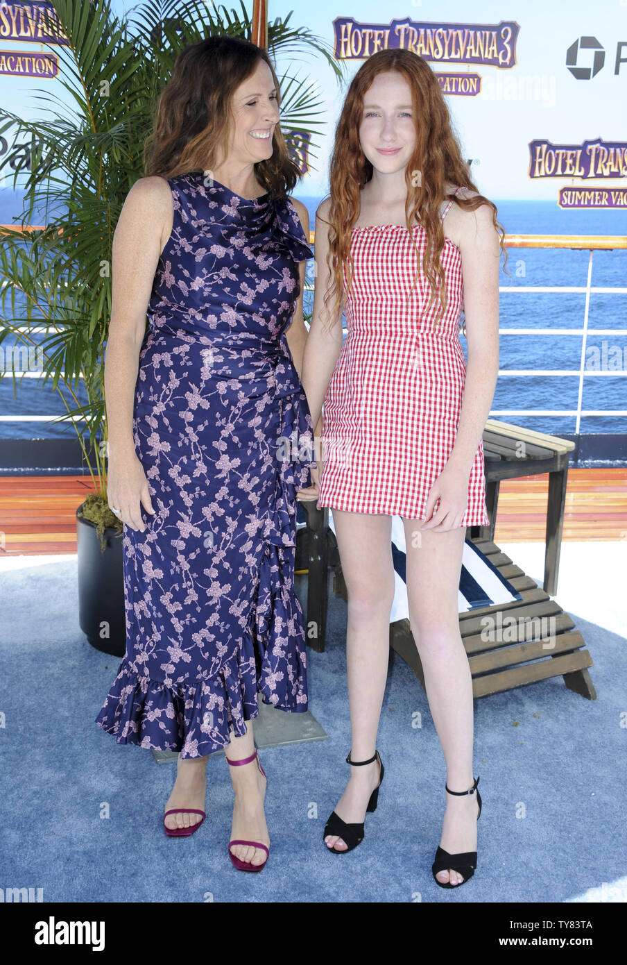 Cast Member Molly Shannon And Daughter Stella Shannon Chesnut
