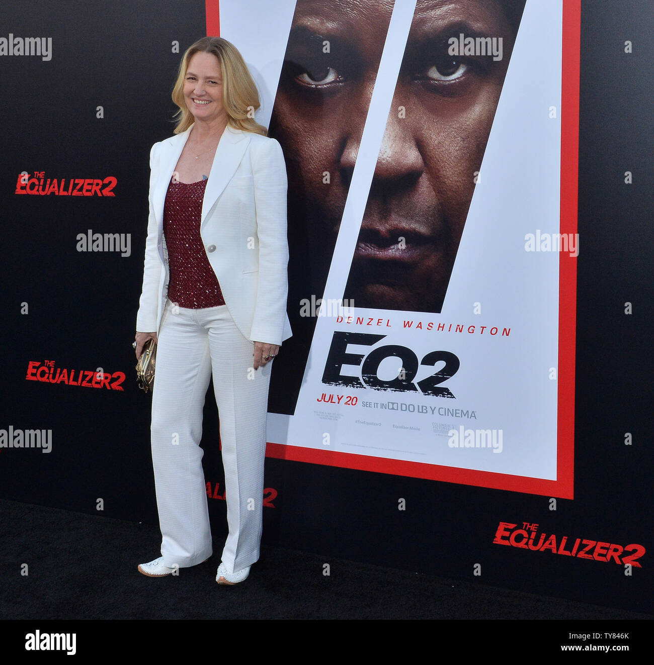 Cast member Melissa Leo arrives for the premiere of the