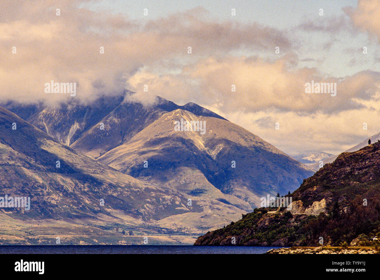 New Zealand, South Island. landscape with Lake Wakatipu and mountains, near Queenstown. Photo: © Simon Grosset. Archive: Image digitised from an origi Stock Photo