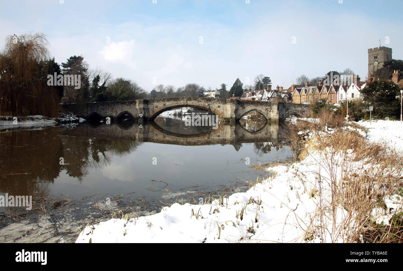 Snow rests on the roofs and gardens in the village of Aylesford in South-East England as temperatures fall below zero in the United Kingdom and across Europe on February 06 2012.         UPI/Hugo Philpott - Stock Image