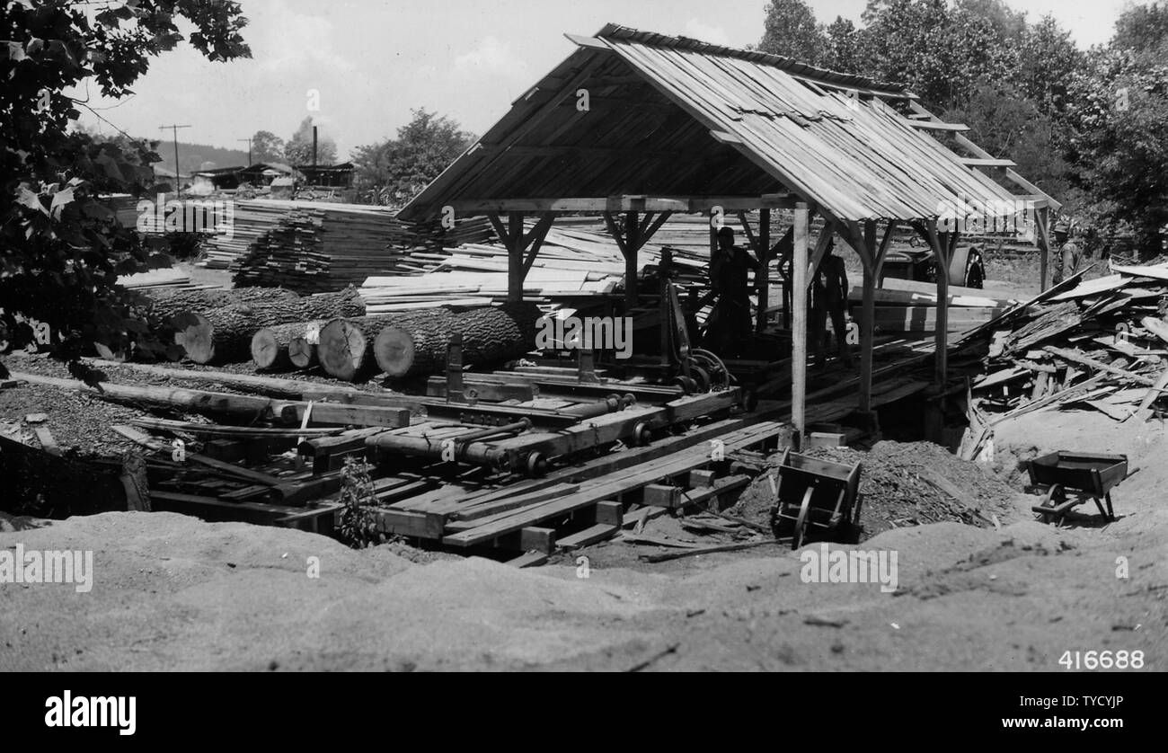 Portable Sawmill Stock Photos & Portable Sawmill Stock Images - Alamy