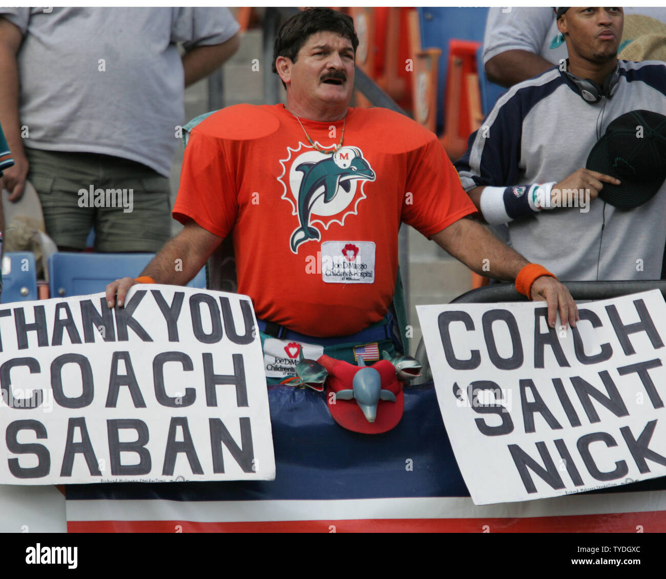 Miami Dolphins fan 'The Miami Maniac' expresses his opinion against the Tenneessee Titans on December 24, 2005 at Dolphins Stadium in Miami FL.  The Miami Dolphins beat the Tennessee Titans 24-10.  (UPI Photo/Susan Knowles) - Stock Image
