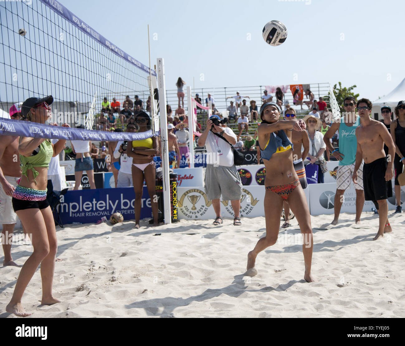 Model Beach Volleyball High Resolution Stock Photography And Images Alamy