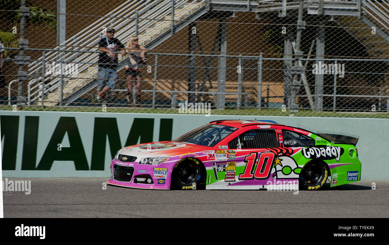 NASCAR Sprint Cup Series driver Danica Patrrick, 10 practices for