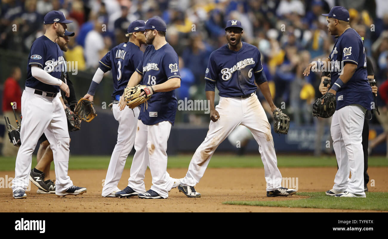 Milwaukee Brewers celebrate win over Los Angeles Dodgers in