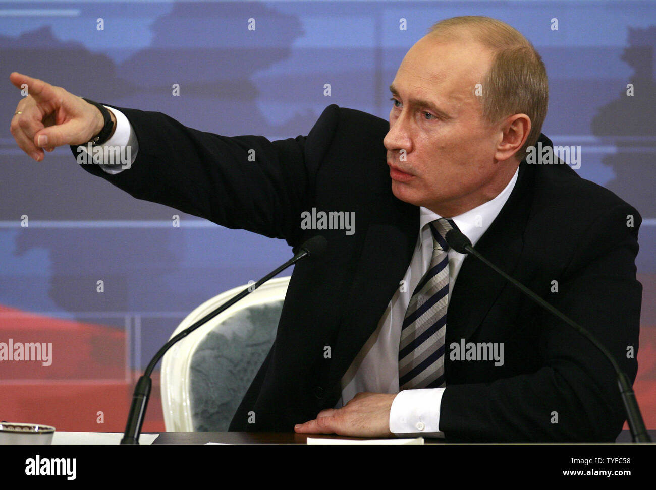 Russian President Vladimir Putin speaks during his final annual news conference in the Kremlin in Moscow on February 14, 2008. Putin confirmed Thursday his intention to wield significant power as premier when he leaves the Kremlin after next month's presidential election. (UPI Photo/Anatoli Zhdanov) - Stock Image