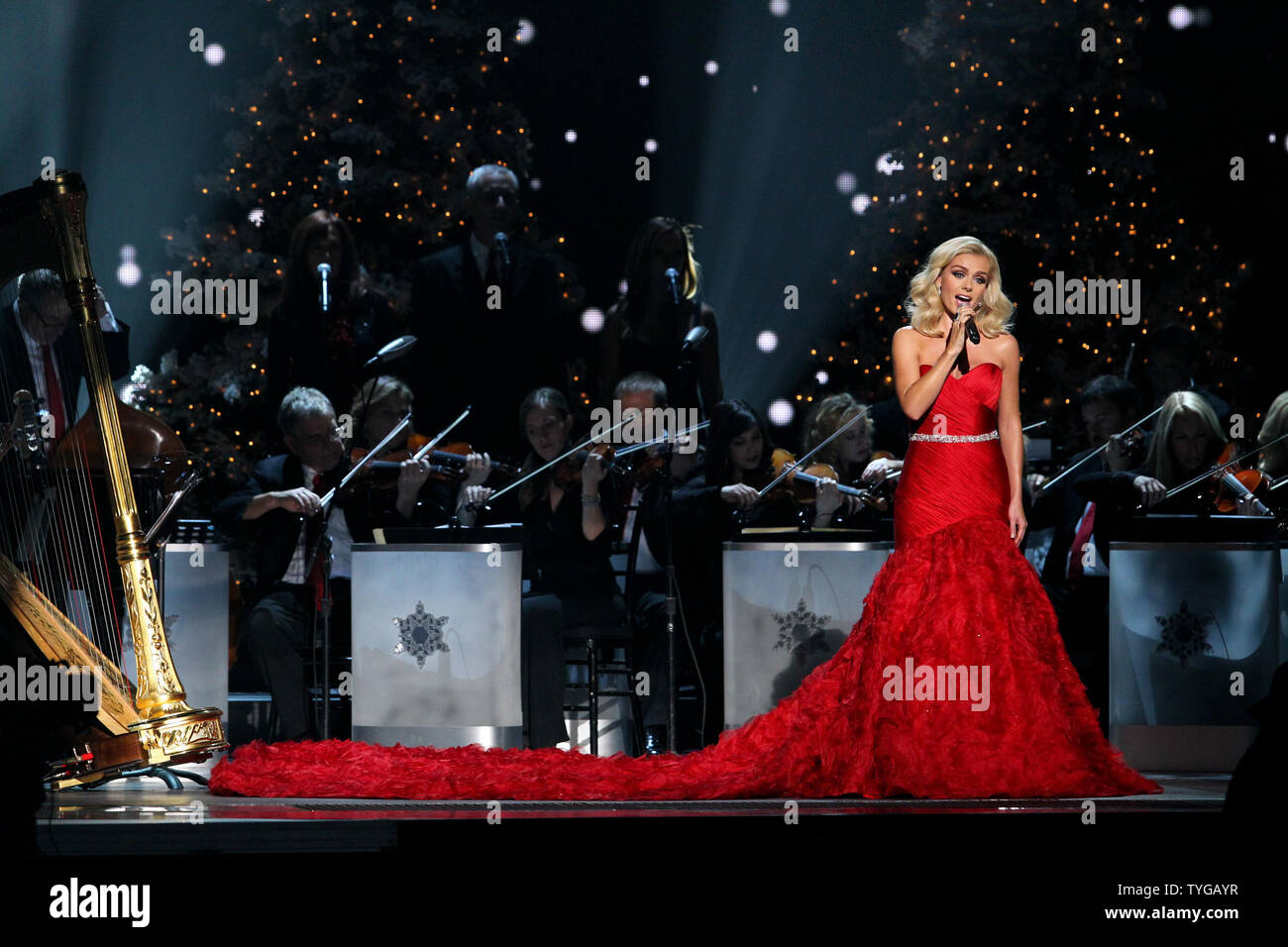 Who Was The Oldest Performer At The Cma Country Christmas 2020 Cma Country Christmas 2020 Katherine Jenkins | Ecsgwu