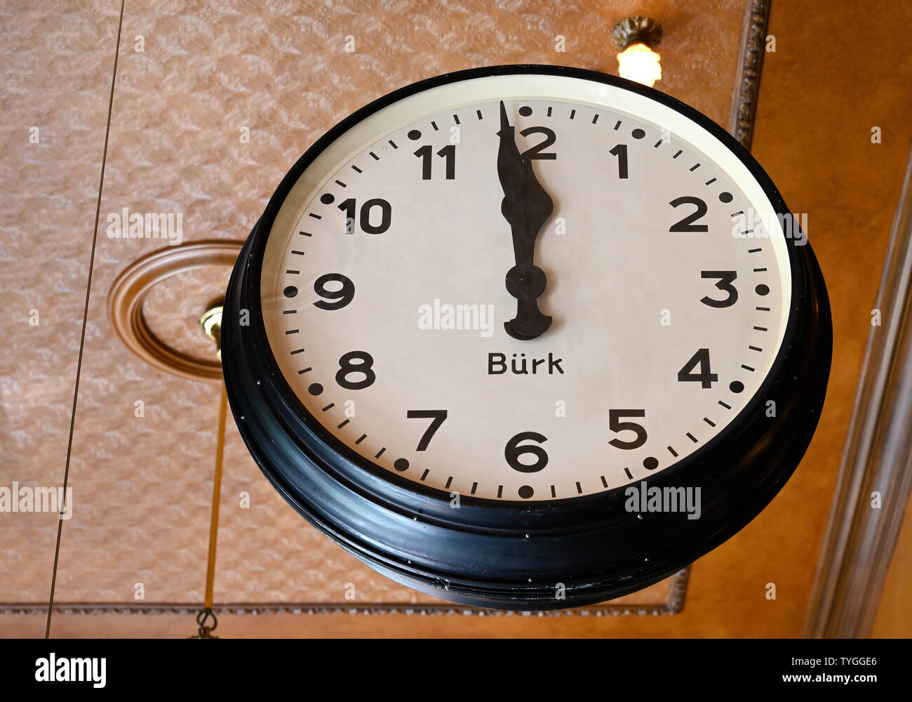 haarlem, noord-holland/netherlands - 2019.06.17:  clock in grand cafe brinkmann at grote markt - Stock Image