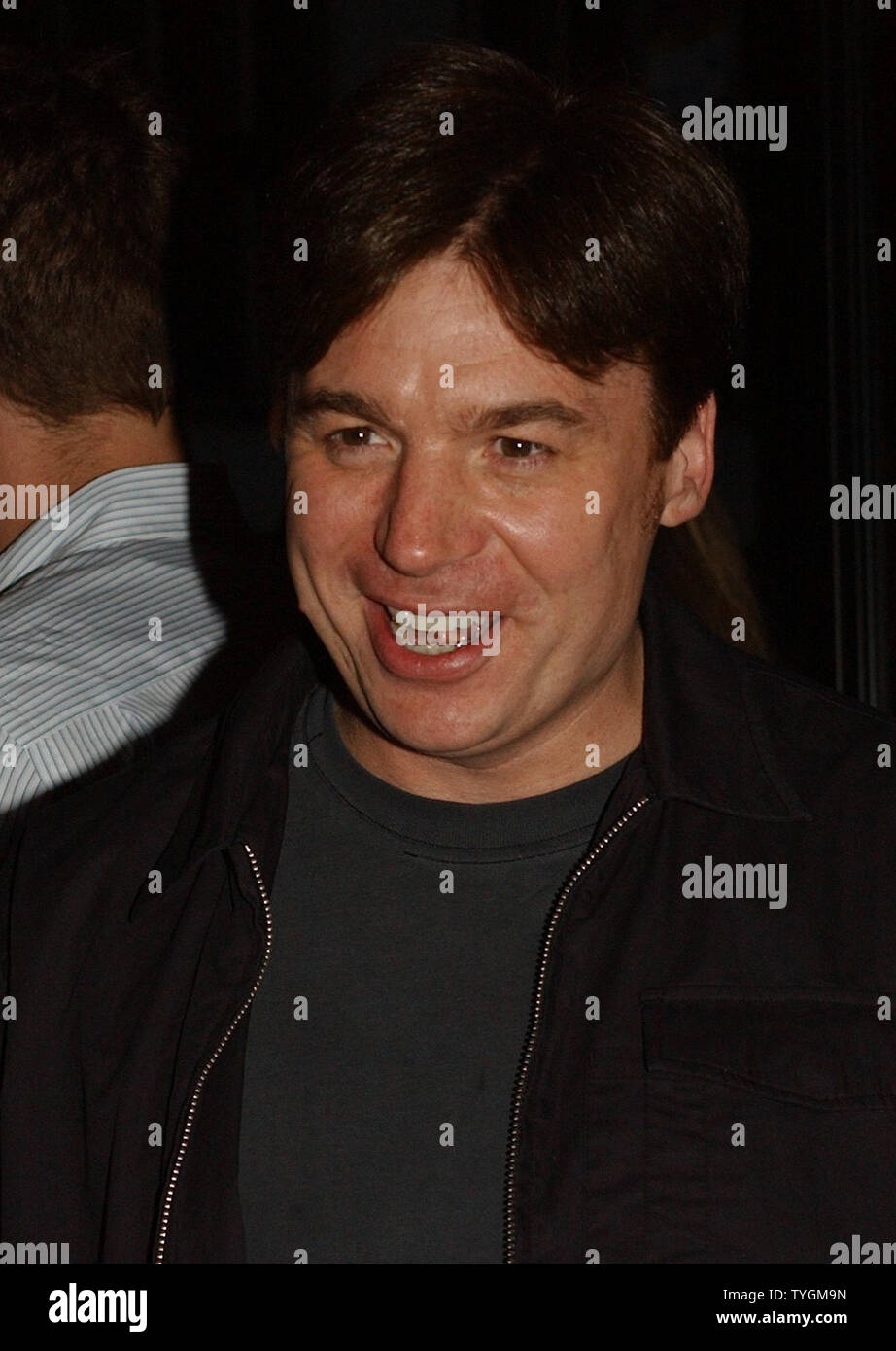 "Actor Mike Meyers poses on June 14, 2004 at the premiere of Michael Moore new controversal film on President Bush entitled "" Fahrenheit 9/11"" (UPI Photo/Ezio Petersen) Stock Photo"