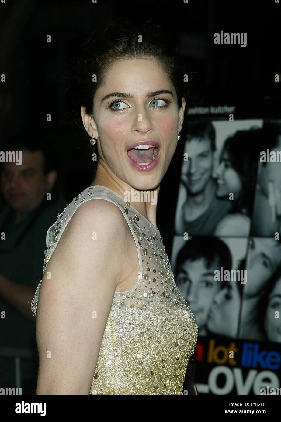 "Amanda Peet A Lot Like Love amanda peet arrives for the premiere of her new movie ""a lot"