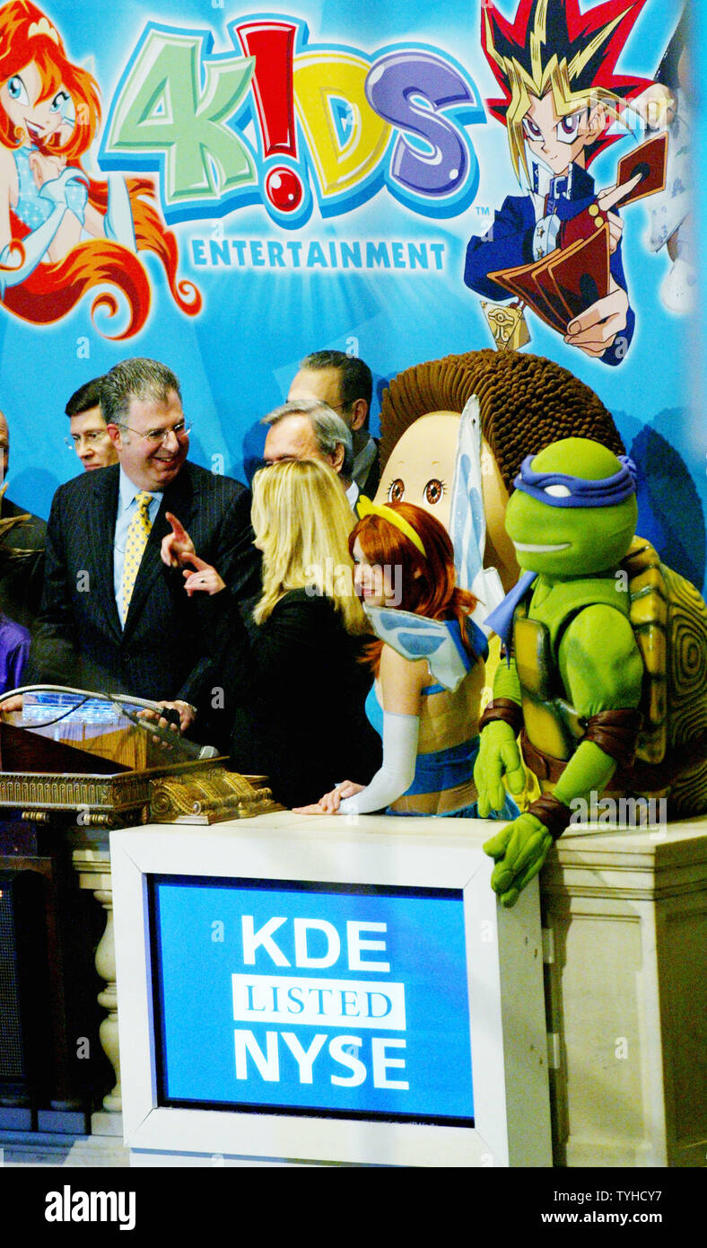 Alfred Kahn, left, chairman and CEO of 4 Kids Entertainment, is