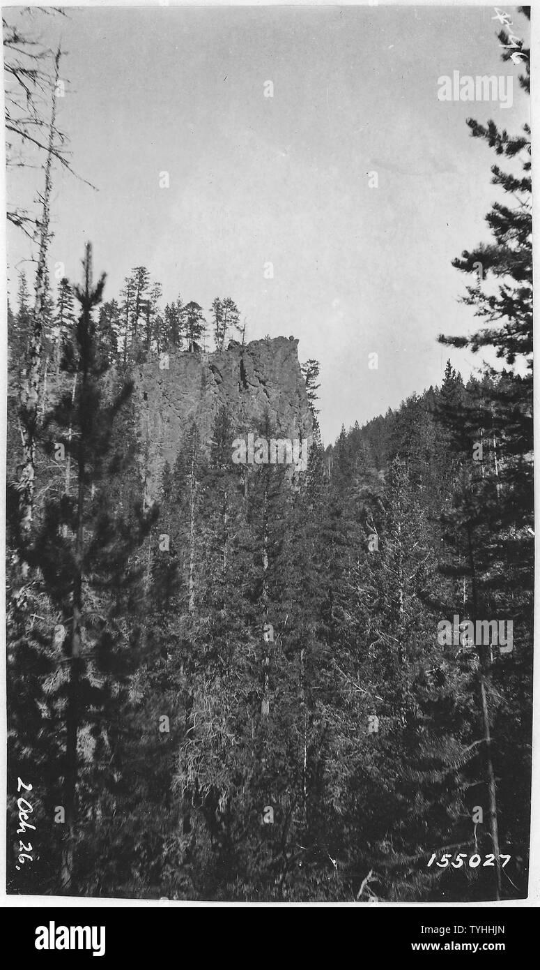 Red Bluff, Desolation Canyon, Ochoco Forest, 1913; General notes:  Upper Mill Creek. - Stock Image