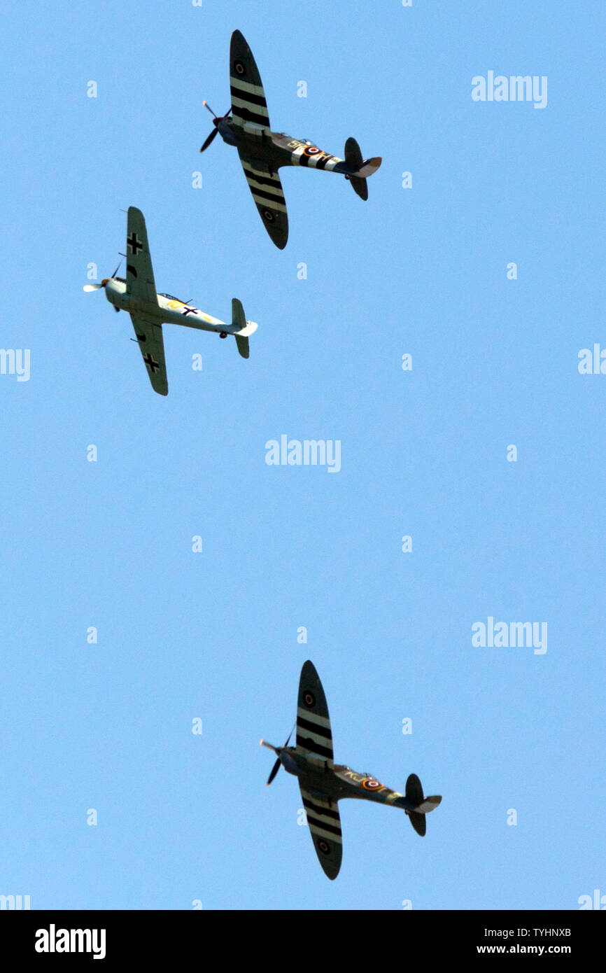 Ww2 German Planes Flying Stock Photos & Ww2 German Planes