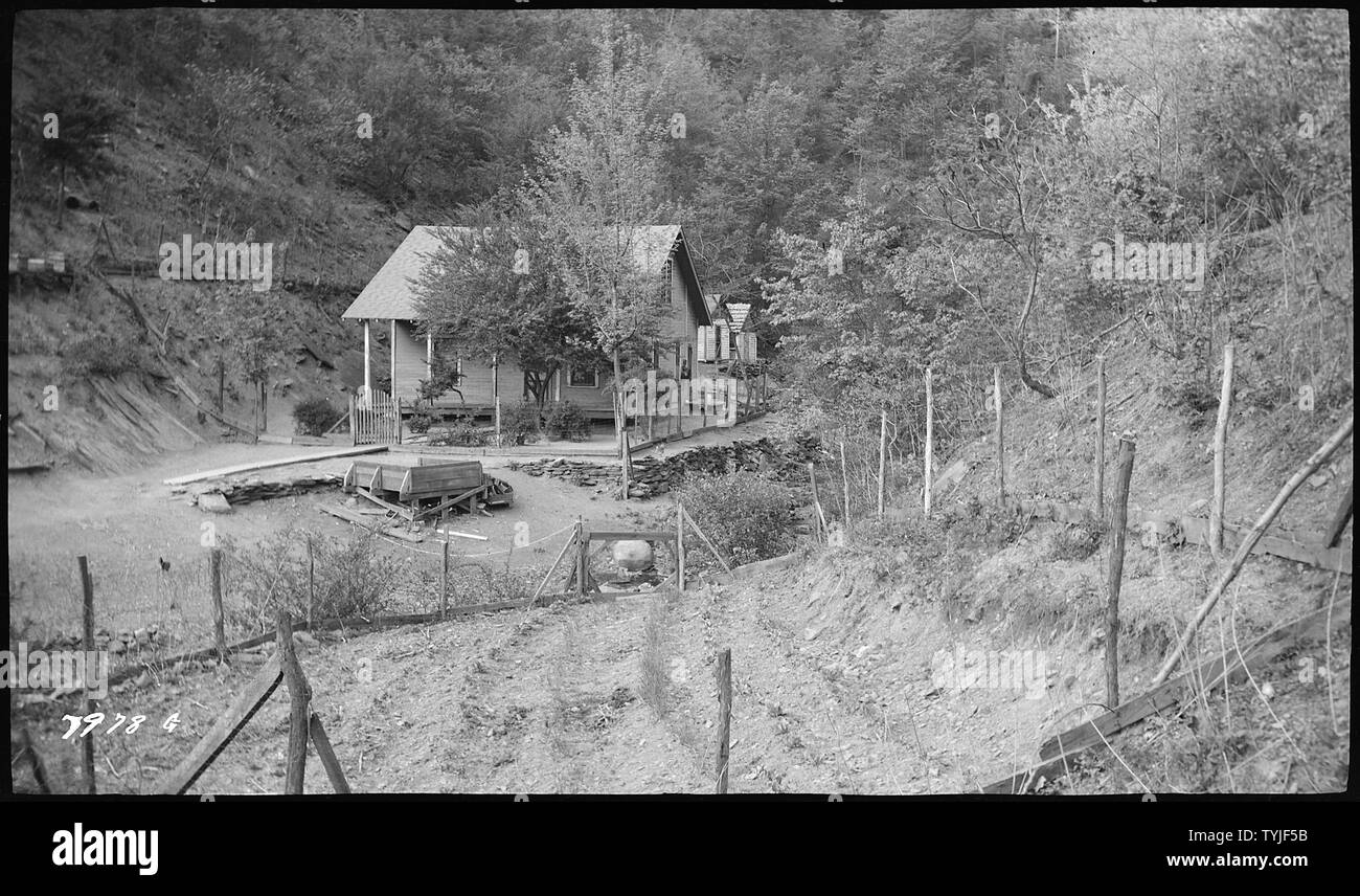 Rymer, A.C.; home at diversion dam - Stock Image