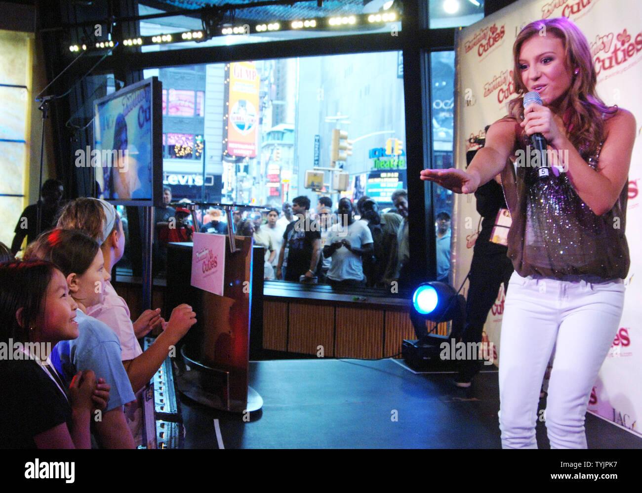 Pop singer Jordan Pruitt helps launch the online tween craze
