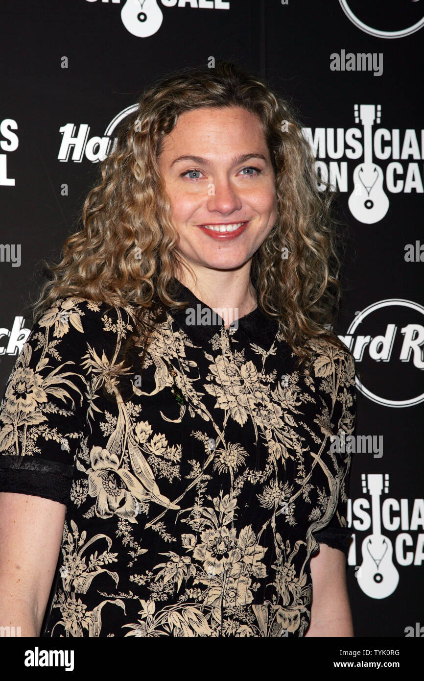 0dd0dae9 Sally Taylor arrives for the 5th Annual Musicians On Call Benefit Concert  at Hard Rock Cafe