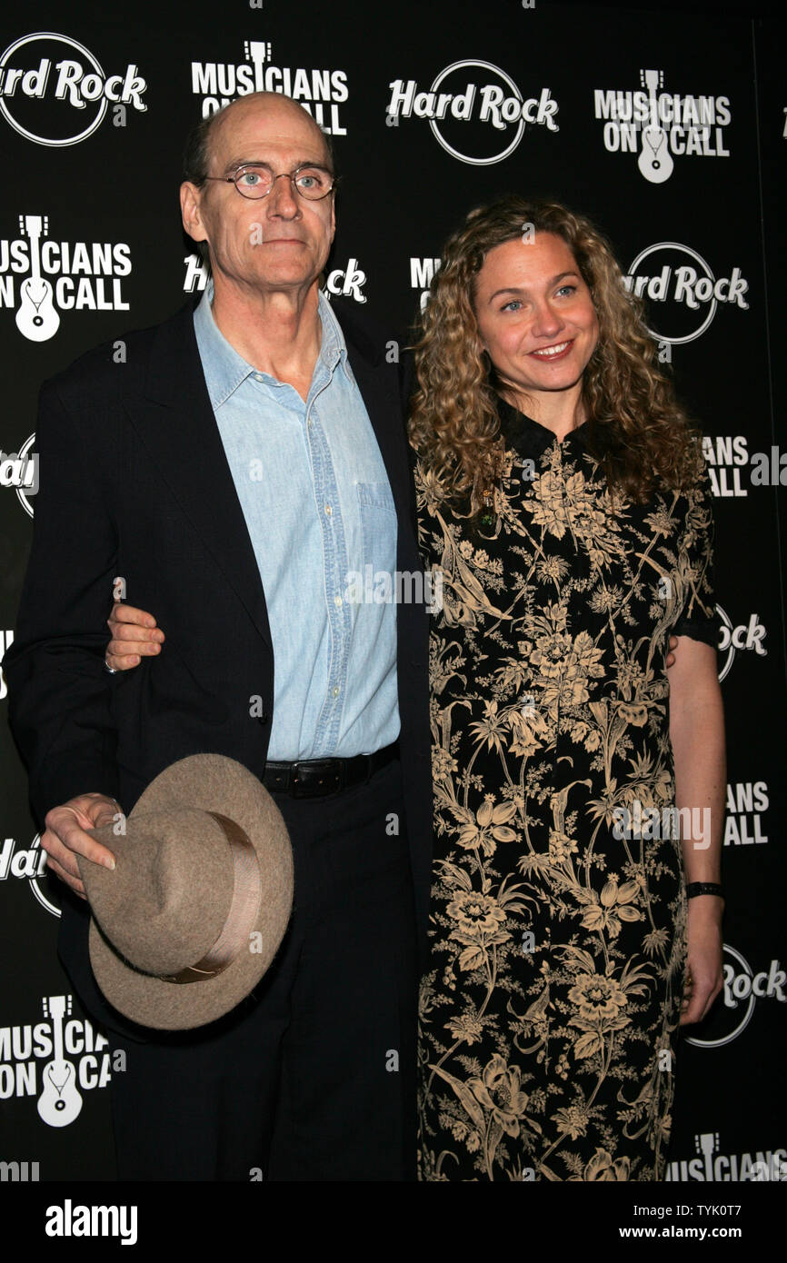 1b93d7b1 James Taylor and daughter Sally Taylor arrive for the 5th Annual Musicians  On Call Benefit Concert